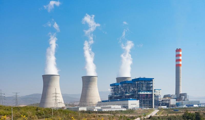 Strom, der mit Hilfe von Braunkohle erzeugt wird, gehört noch immer zu den wichtigsten Arten der Energiegewinnung. (#1)