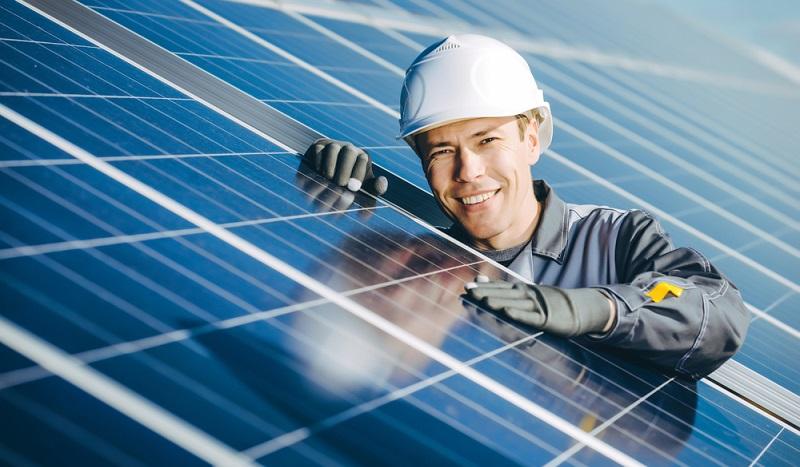 Fachleute sind gefragt: Egal, ob es sich um Experten für Solarenergie handelt oder ob diese im Steinkohlekraftwerk arbeiten. (#2)