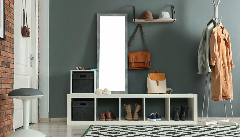 Sei es im Schlafzimmer oder im Wohnzimmer, im Kinderzimmer oder im Flur: Sideboards sorgen für den nötigen Stauraum und komplettieren optisch die Einrichtung.