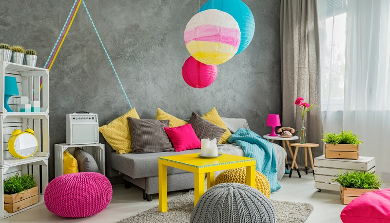 Im Kinder- und Jugendzimmer auf Kontraste zu setzen, bringt Leben an die Wände und es lässt sich auf Möbel setzen, mit denen sich der Nachwuchs wohlfühlen kann.