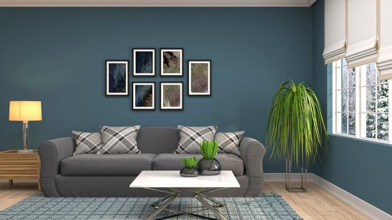 Blau ist eine kalte Farbe und steht auf den ersten Blick gegen die gemütliche Wohnstube.