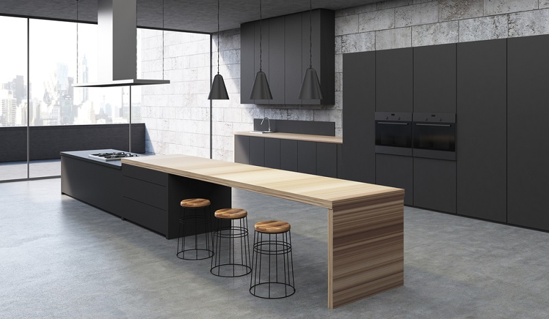 Auch Beton ist sehr unempfindlich gegen Kratzer und Hitze. Zudem lässt es sich ebenfalls gut reinigen. Je nach Einsatz dieses Materials kann man wahlweise eine robuste Industrieoptik ebenso umsetzen wie eine moderne Arthouse-Eleganz.