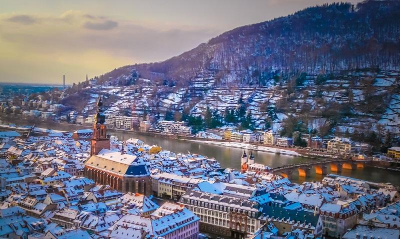 Luftbilder der Stadt Heidelberg im Winter sind ebenfalls sehr schöne Postkartenmotive.