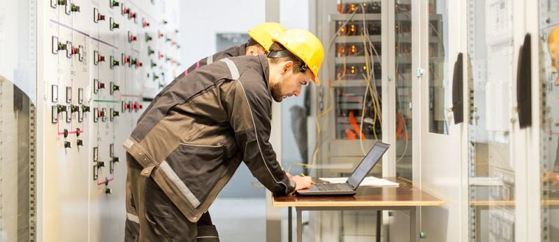 Die Schritte beim Stromanbieter wechseln sind einfach: Verbraucher suchen sich den günstigsten Anbieter aus und beauftragen diesen.