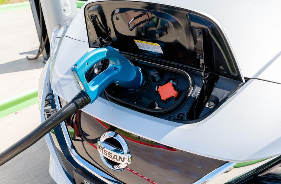 Wieviel verbraucht ein Elektroauto auf 100 Kilometer? Dieser Wert lässt sich leicht berechnen. Wir haben den Wert für den Nissan Leaf berechnet. (Foto: shutterstock - michelmond, #2)