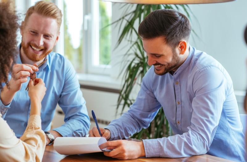 Beinhaltet ein Übergabeprotokoll mehr als die Zustandsbeschreibung, sollte ein Mieter nicht unterschreiben. (Foto: Shutterstock - bbernard)