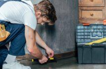Sockelleisten befestigen: Die Geheimtipps für optimal angebrachte Leisten. (Fotolizenz-Shutterstock: LightField Studios)