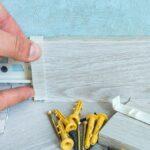 Sockelleisten befestigen mit Clips: So geht es sogar noch leichter