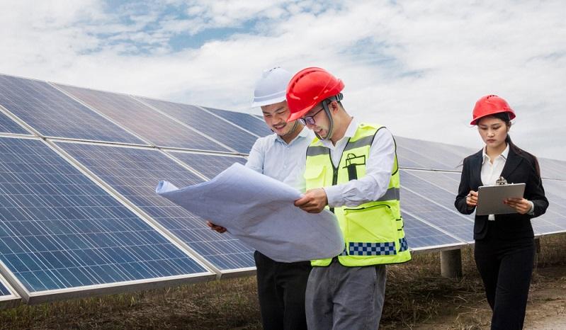 Das Mieten von Solaranlagen ist generell einfach und hat Vorteile, es birgt auch nur geringe Risiken. Foto-shutterstock_ KeepWatch )