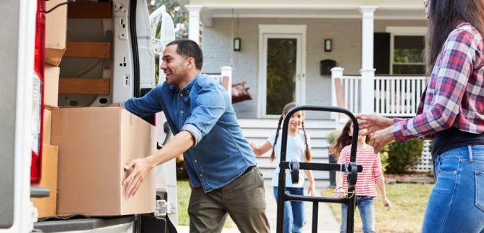 """""""Wohnungsübergabeprotokoll Muster"""": Was ist dabei zu beachten gilt (Foto: Shutterstock - Monkey Business Images)"""