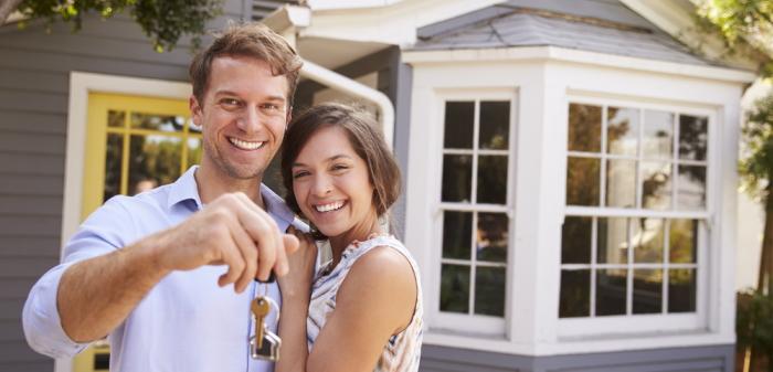Wohnungsübergabeprotokoll: Auszug aus der Wohnung und die Wohnung an den Vermieter übergeben (Foto: Shutterstock - Evgeny Atamanenko)