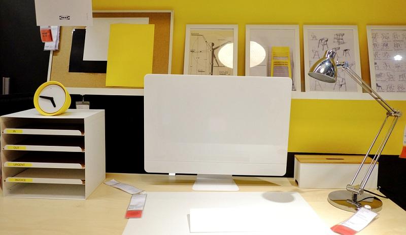 Die Digitalisierung im Bereich der Bauplanung ist auf dem Vormarsch. Alle Zeichen stehen auf eine Erleichterung der Arbeit und dafür werden verschiedene Programme zur Verfügung gestellt. Dennoch muss ein Architekt heute nicht auf seine Planschränke verzichten.  ( Foto: Shutterstock- oradige59 )