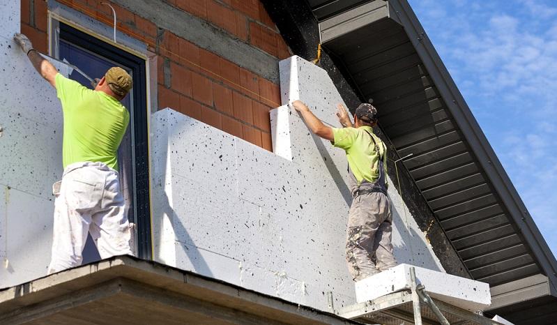 KfW Foerderung 55: Dämmung</strong> Dach: ab 120 Euro pro Quadratmeter Fassade: ab 210 Euro pro Quadratmeter. (Foto: Shutterstock- _Dagmara_K )