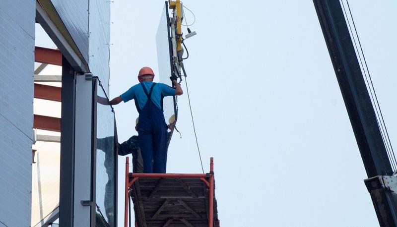 Egal, ob ein <strong>Unternehmen gerade gegründet</strong> wurde oder ob es <strong>bereits länger besteht</strong>: Es braucht immer wieder Kredite, die langfristig und sehr sicher, dabei aber zinsgünstig sind.  ( Foto: Shutterstock- Sukhov Iurii  )