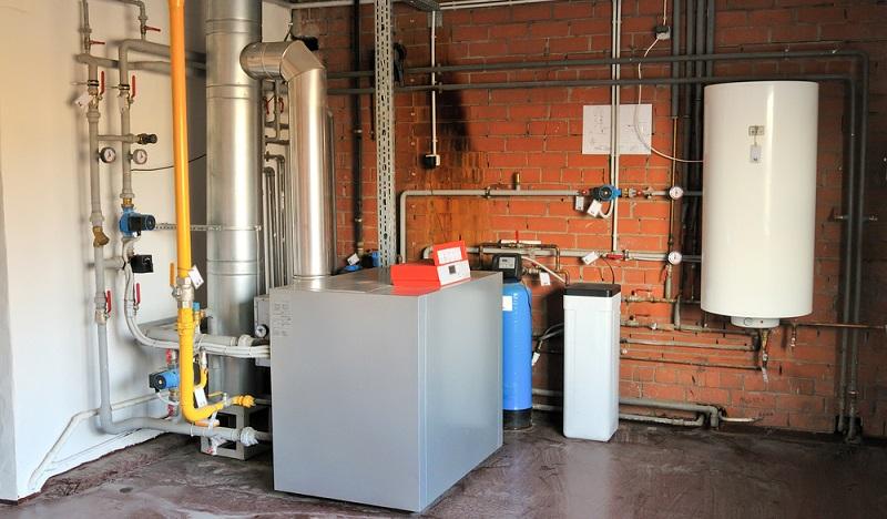 """Meist wird eine <a href=""""https://www.kfw.de/inlandsfoerderung/Privatpersonen/Bestandsimmobilie/Energieeffizient-Sanieren/Das-KfW-Effizienzhaus/"""">Kombination aus verschiedenen baulichen Maßnahmen</a> gewählt, um den Energieverbrauch zu senken und den KfW-Standard zu erreichen. ( Foto: Shutterstock-Ansis Klucis )"""