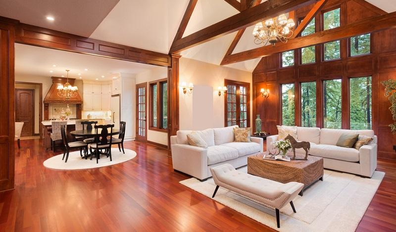 Angesichts dessen, dass der Boden die meiste Fläche im Haus einnimmt, sollte der Bodenbelag mit Bedacht gewählt werden, um den luxuriösen Eindruck zu stärken.  ( Foto: Shutterstock-Breadmaker)