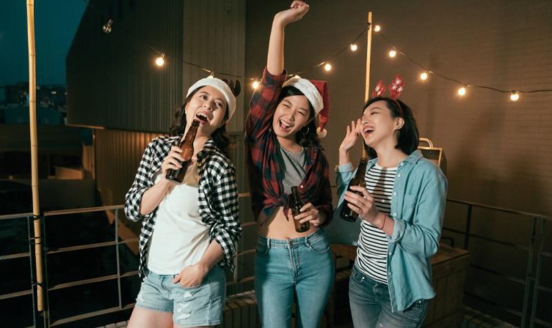 Bei der Auswahl der Musik darf es nicht nur nach dem Geschmack der Gastgeber gehen. ( Foto: Shutterstock-_PR Image Factory )