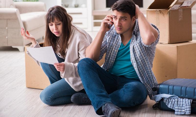 Wer eine Zwangsversteigerung abwenden möchte, muss unbedingt den Kontakt mit der Bank suchen und sich hier informieren. ( Foto: Shutterstock-Elnur)