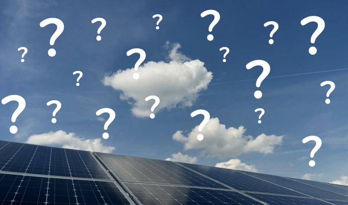 Rund um KfW und die Photovoltaik-Förderung gibt es immer wieder viele Fragen. Die wichtigsten und häufigsten darunter beantworten wir hier. (Foto: shutterstock - Bildagentur Zoonar GmbH)