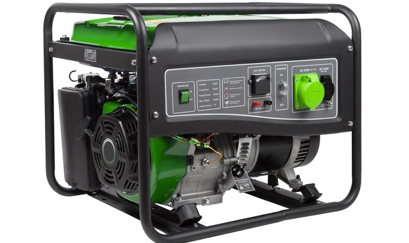 Der Stromerzeuger (anderer Name: Stromaggregat) kommt immer dann zum Einsatz, wenn die Kabel für elektrische Gartengeräte zu kurz sind und dennoch Strom gebraucht wird.  ( Foto: Shutterstock-maksimee   )