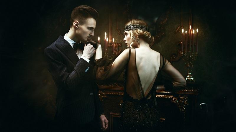 Glamour und Glitzer dürfen vorkommen und sollen dazu beitragen, dass das Gefühl der nie enden wollenden Goldenen Zwanziger entsteht.  ( Foto: Shutterstock-Kiselev Andrey Valerevich)