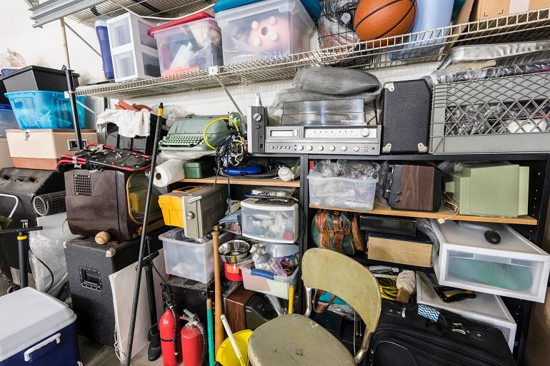 Garagen werden oft zweckentfremdet. (Foto: shutterstock.com / trekandshoot)
