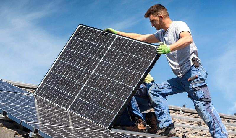 Erneuerbare Energien, Förderungen bekommen, wenn alle Vorgaben erfüllt werden. ( Foto: Shutterstock-moreimages )
