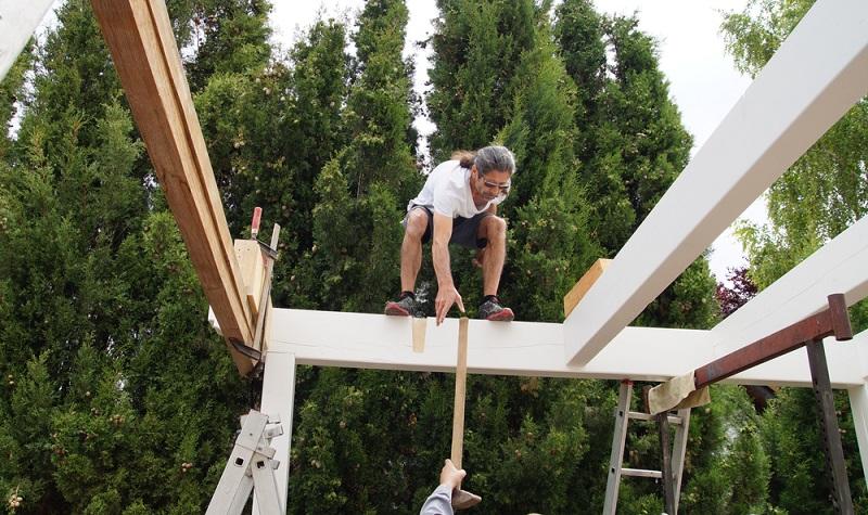Carport selbst bauen, als Handwerker sollte das machbar sein. (Foto: Shutterstock-Mabeline72 )