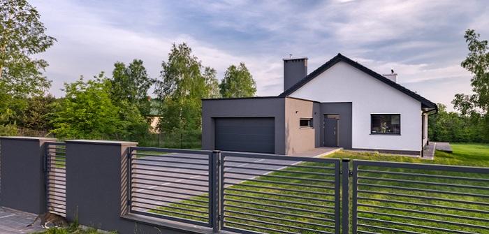 Zaun auf Grundstücksgrenze: Definition, Urteile, Gesetz ... und wie man die lieben Nachbarn ruhigstellt ( Foto: Shutterstock- Dariusz Jarzabek )
