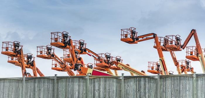 Hubbühne: Vorschriften, Absturzsicherung, Pflichten, Unterweisung ( Foto: Shutterstock-Ken Felepchuk )