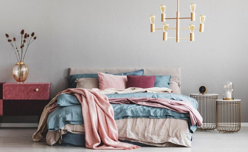 Ein neues Bett sollte der Größe, dem Gewicht, den Bedürfnissen angepasst sein. ( Foto: Shutterstock-Photographee.eu)